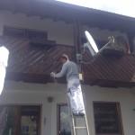 Gründliches abschleifen der Balkonbretter